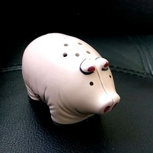 Vintage salt and pepper shakers pigs